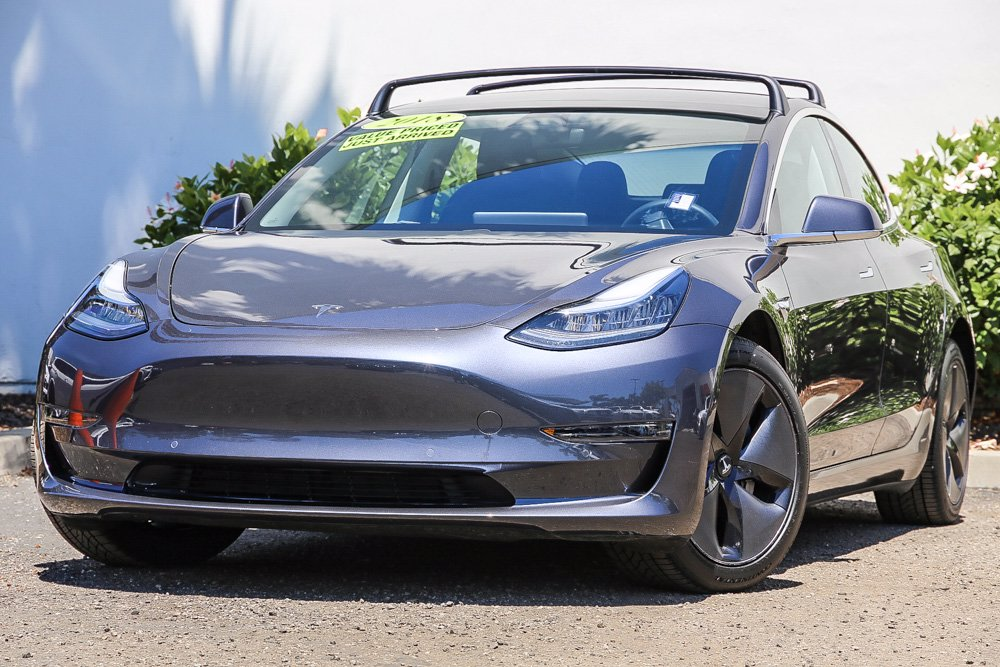 Pre-Owned 2018 Tesla Model 3 Long Range